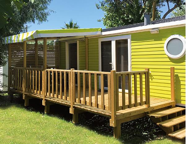 Terrasse en bois demi couverte pour mobil home
