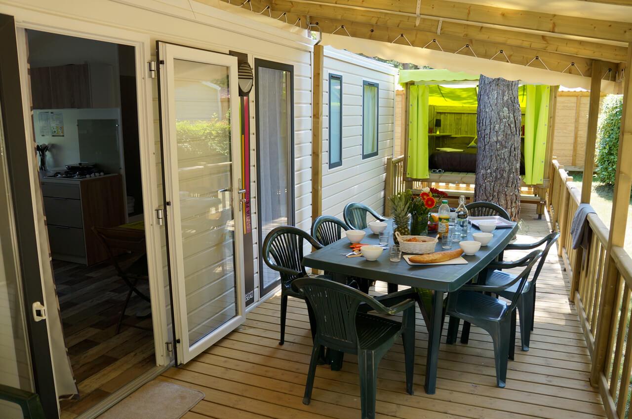 Terrasses en bois avec un cop camp intégré