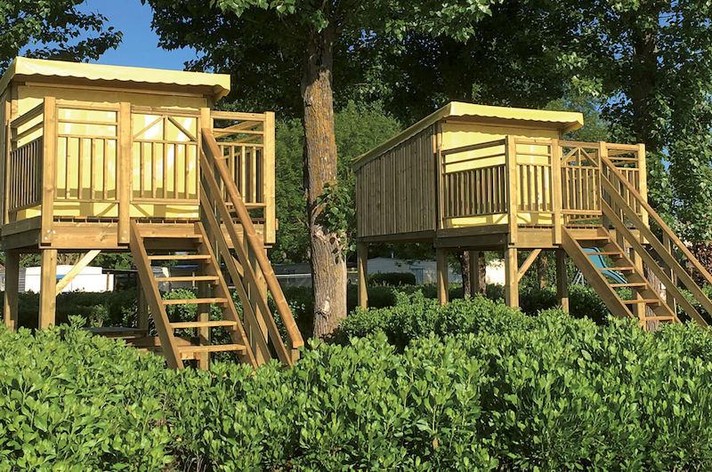 Hébergement en bois Campétoile crée par Les Terrasses du Lys