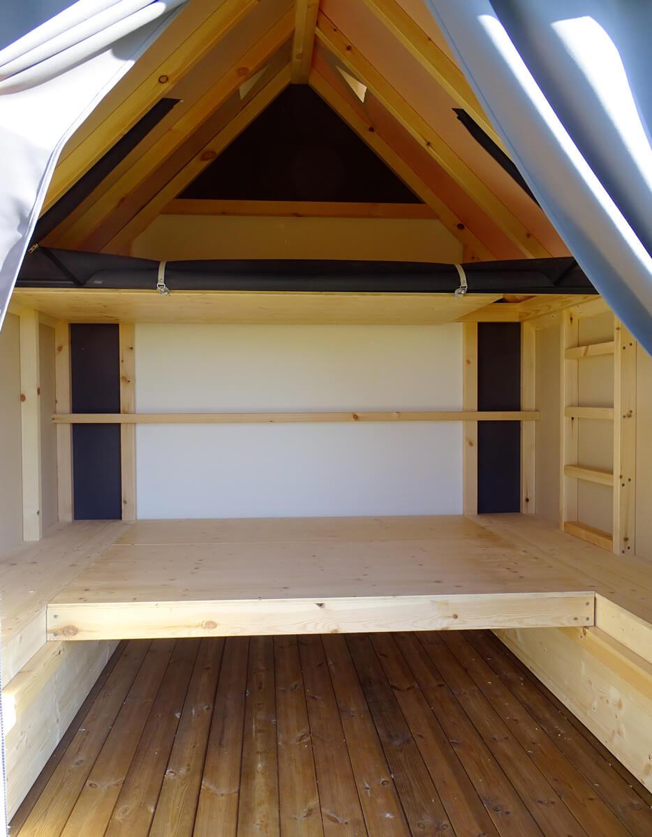 Vue intérieure du cop coon, hébergement construit par Les Terrasses du Lys