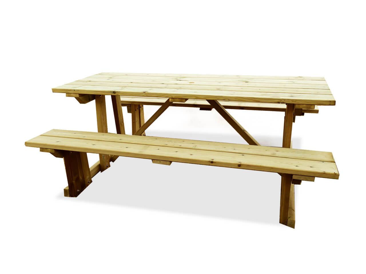 Parmi les accessoires de votre terrasse, il y a la table bocage