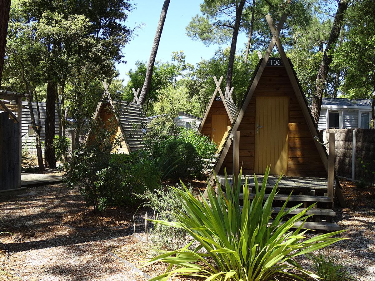 Optez pour un séjour atypique en réalisant un village de cabadiennes